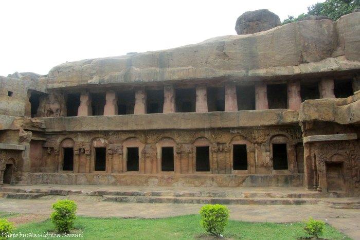 آشنایی با دو نیایشگاه صخرهای در بُبانشوار هند