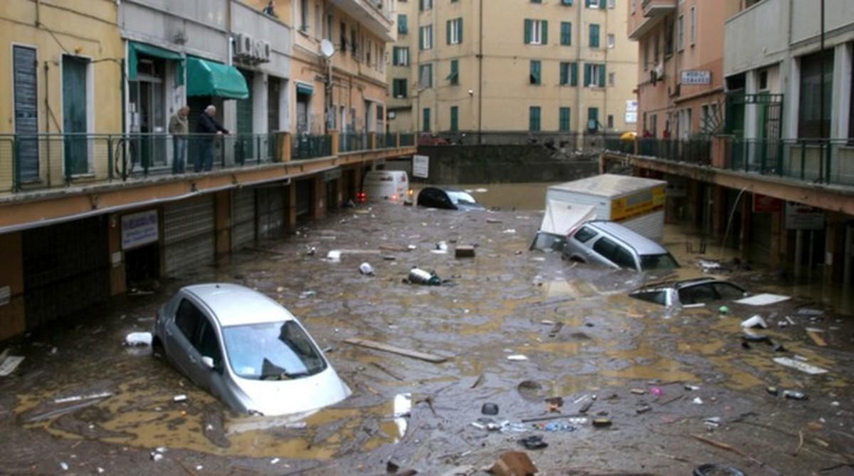 ویدئو: سیل در شمال ایتالیا خسارت به بار آورد و جان یک نفر را گرفت