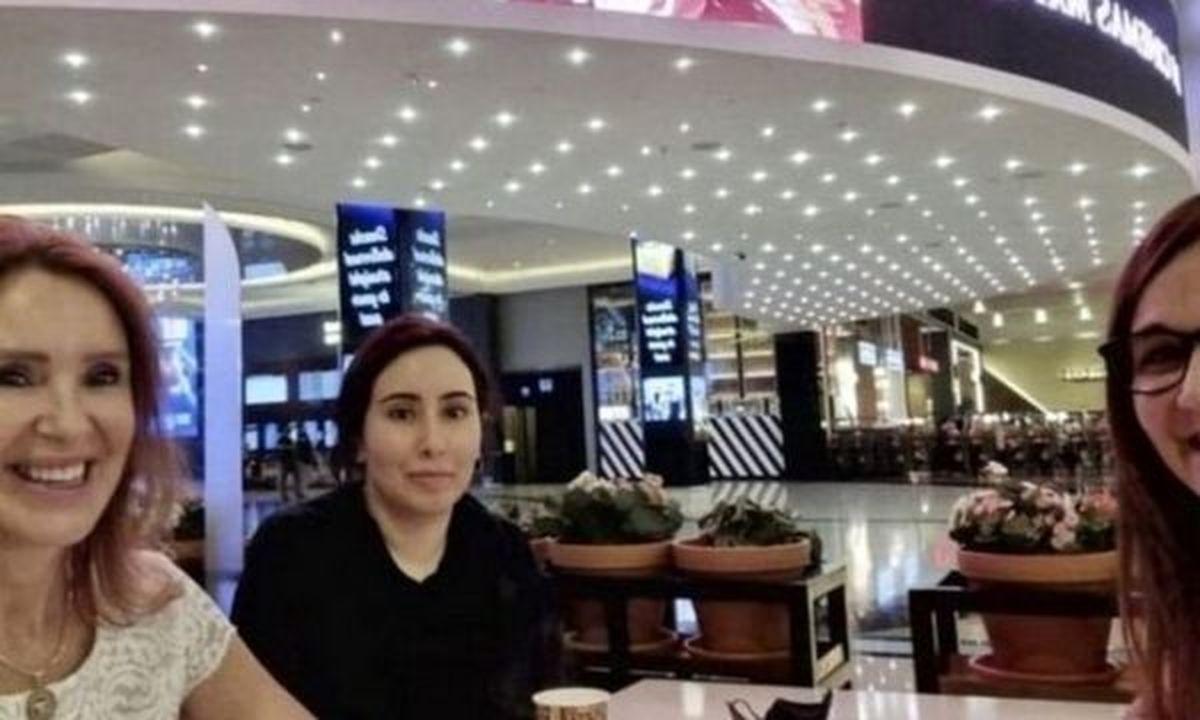 عکسی از لطیفه آل مکتوم دختر حاکم دبی در یک مرکز خرید