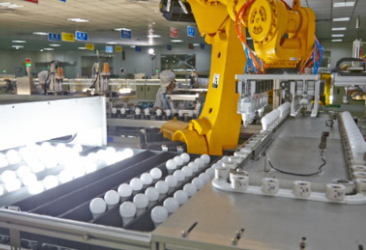 بزرگترین کارخانه تولید لامپ رشتهای به خاطر رکود تعطیل شد