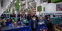 ویدئو؛ ابتکار فروشندگان چینی در برابر کرونا