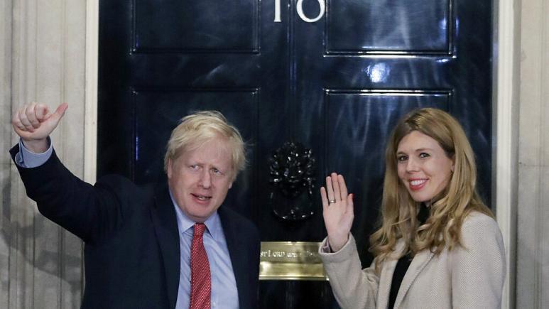 آغاز تحقیق درباره سفر لوکس نخست وزیر بریتانیا