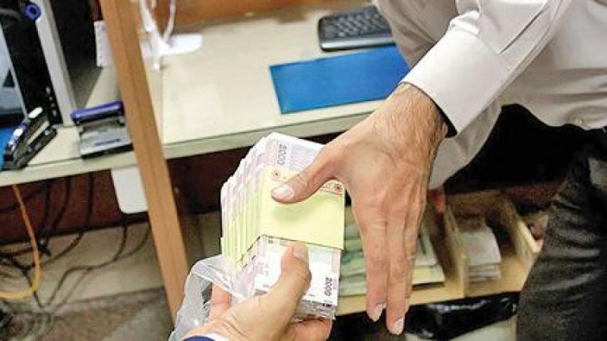 بدهی دولت به بانکها  ۲۷ درصد افزایش یافته است