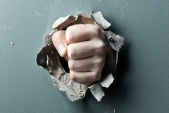 ناامنی اقتصادی چگونه خوشه های خشم را پربار می کند؟