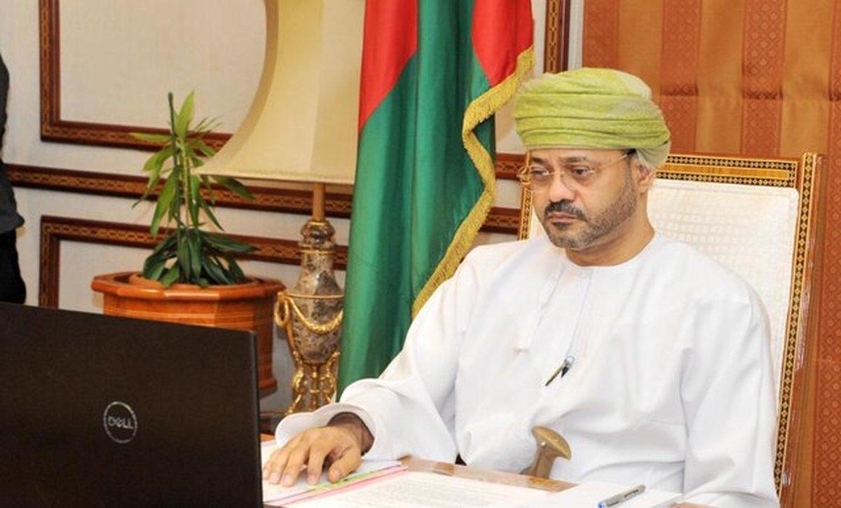وزیر خارجه عمان: آمادگی کشورش برای حل تنشها در منطقه را اعلام کرد