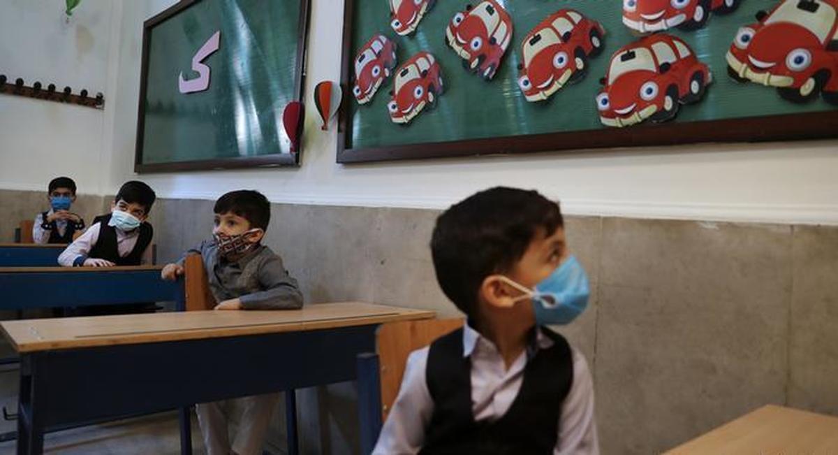 دانش آموزان در اولویت واکسیناسیون کرونا هستند؟