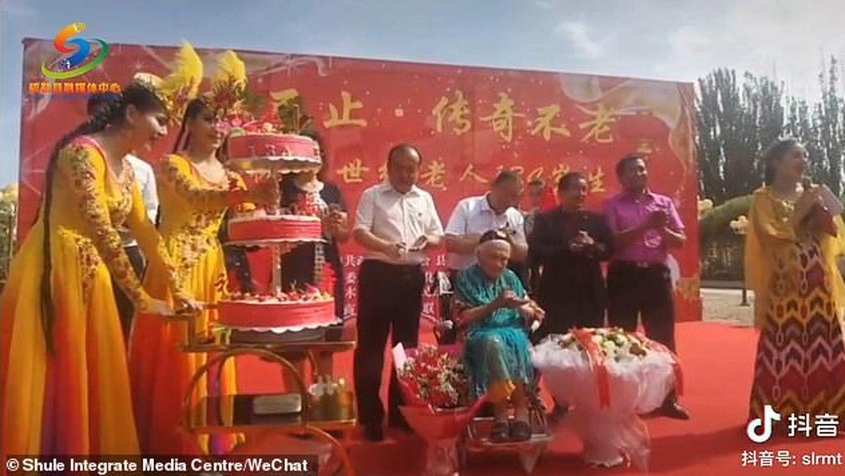 پیرترین فرد دنیا  |جشن تولد پیرترین فرد جهان در سن 134 سالگی + عکس