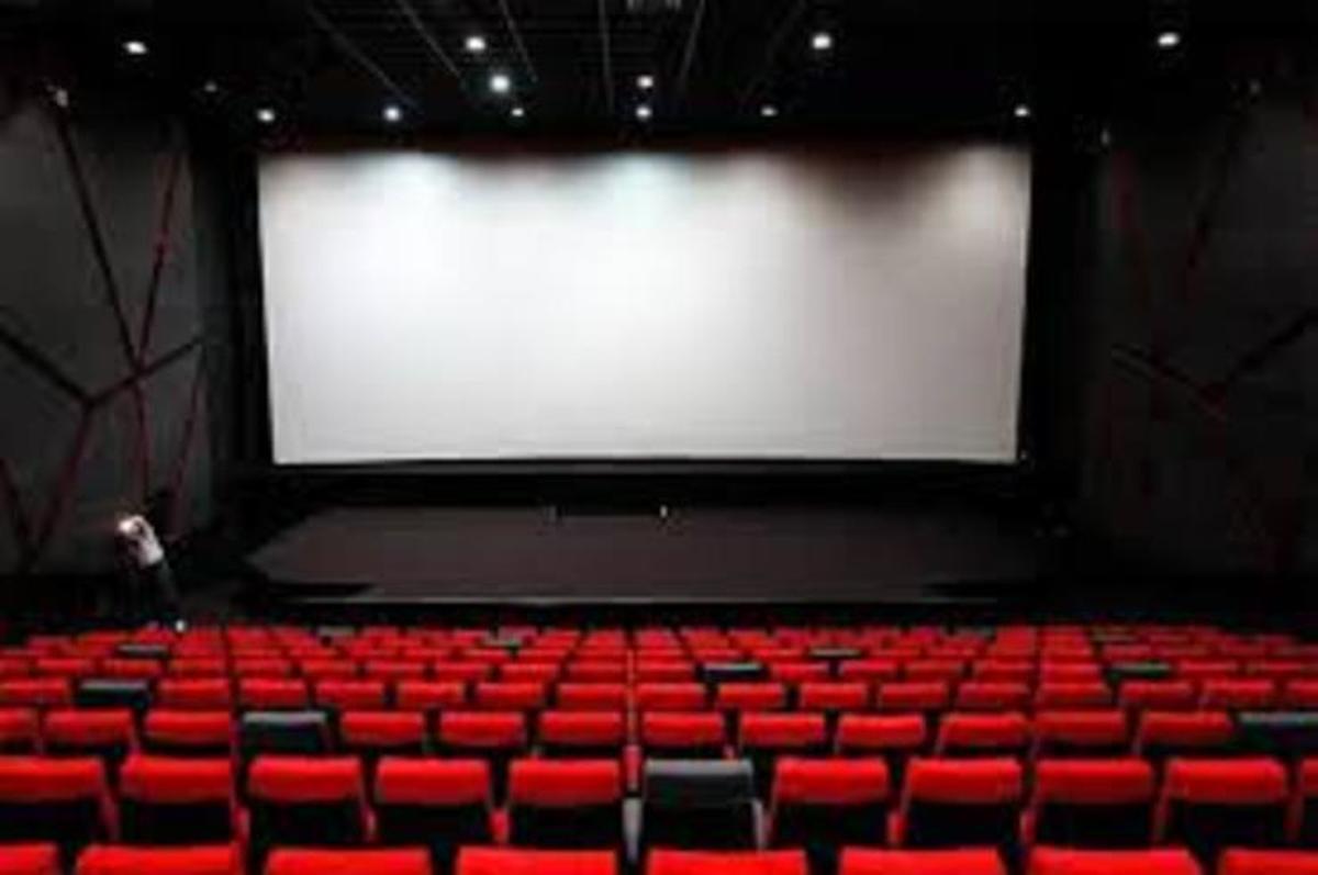 وضعیت قرمز تهران     سینماهای پایتخت بار دیگر تعطیل شدند