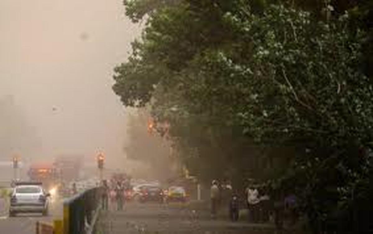 وقوع رگبار و رعد وبرق، وزش باد شدید دربرخی از استانها