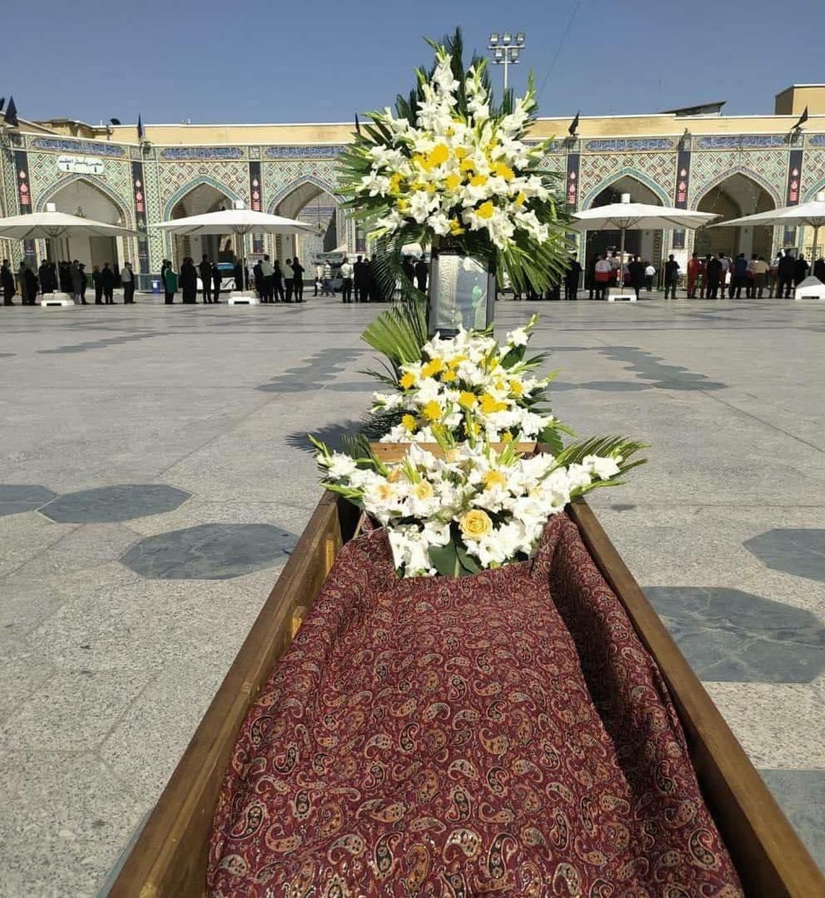 هم اکنون    تشییع پیکر مرحوم محمد خجسته باقرزاده، برادر همسر رهبر انقلاب در حرم امام رضا(ع)