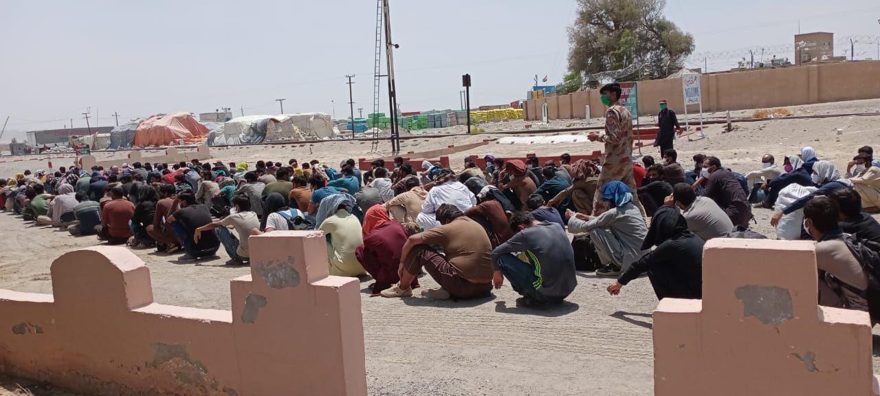رسانه های پاکستان: ۲۰۰ مهاجر غیرقانونی پاکستان در مرزهای ایران بازداشت شدند