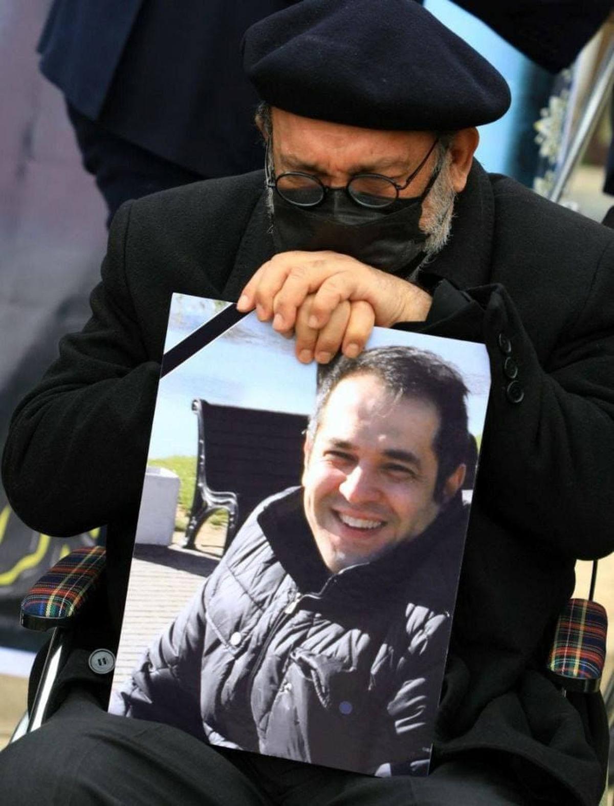مراسم یادبود دکتر احسان میرزاده  + عکس