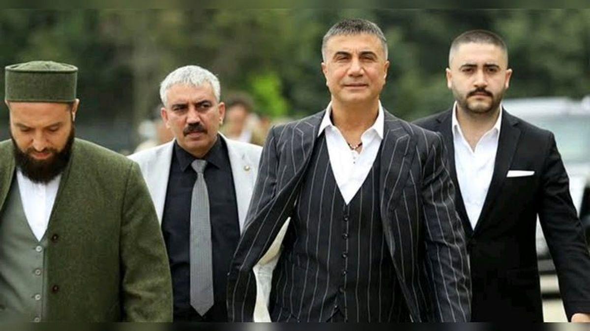 سدات پکر؛ موی دماغ دولتمردان ترکیه