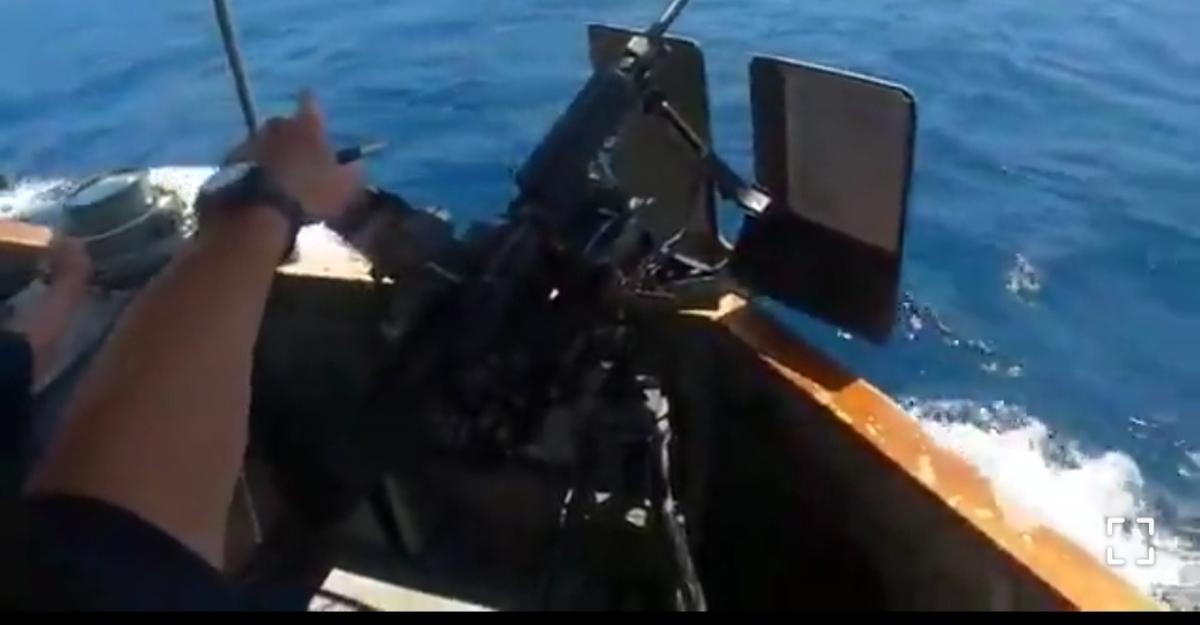 فیلمی از قایقهای تندروی سپاه در نزدیکی ناو آمریکایی + ویدئو