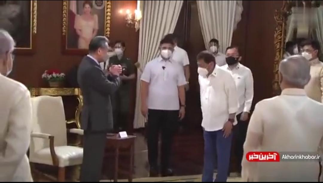 رونمایی از مدل جدید دست دادن دیپلماتیک در دوران کرونا + ویدئو