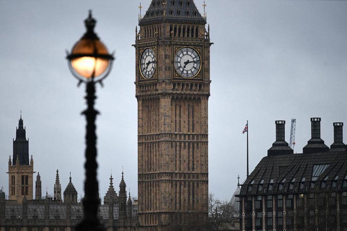 قصد دولت انگلیس از ادغام دو وزارتخانه امور خارجه و توسعه بینالملل چه بود؟