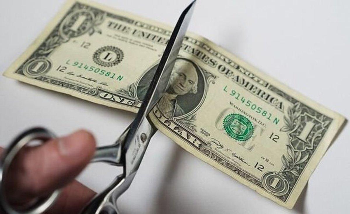 عقبنشینی دلار ادامه دارد