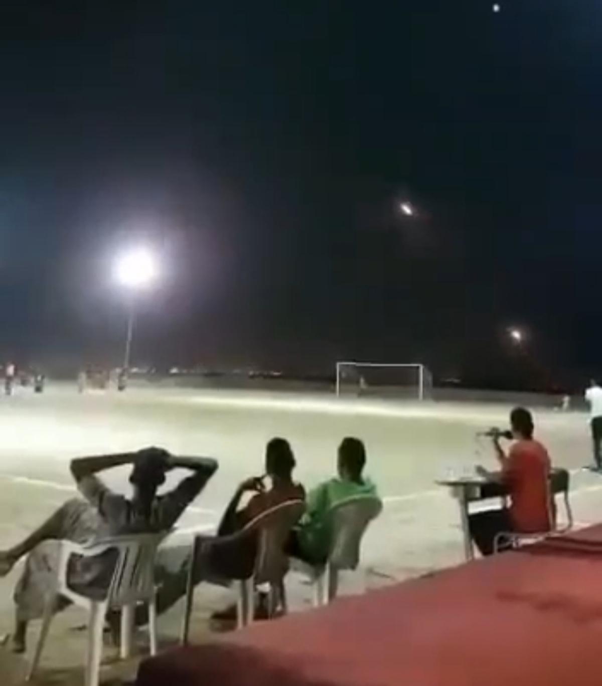 اینجا یمن است: مسابقه فوتبال در برابر موشک های دشمن! + ویدئو