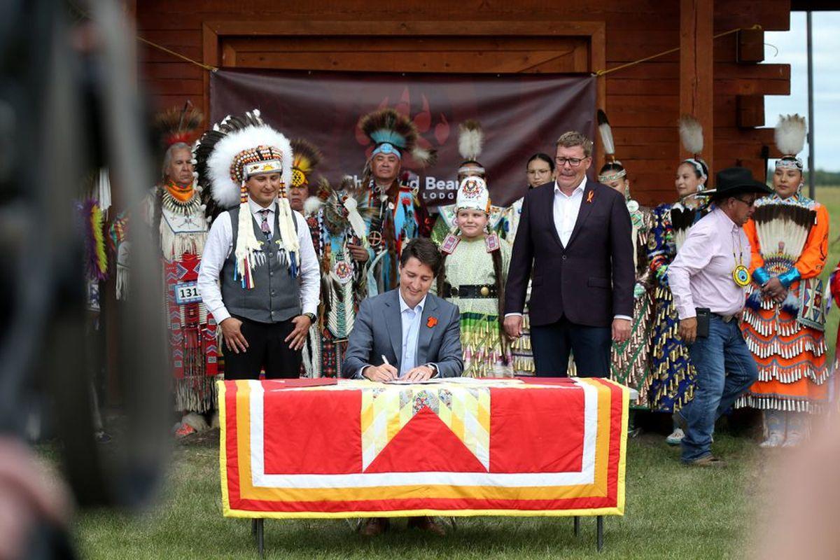 واگذاری خدمات رفاه کودکان به بومیان اولیه کانادا + عکس
