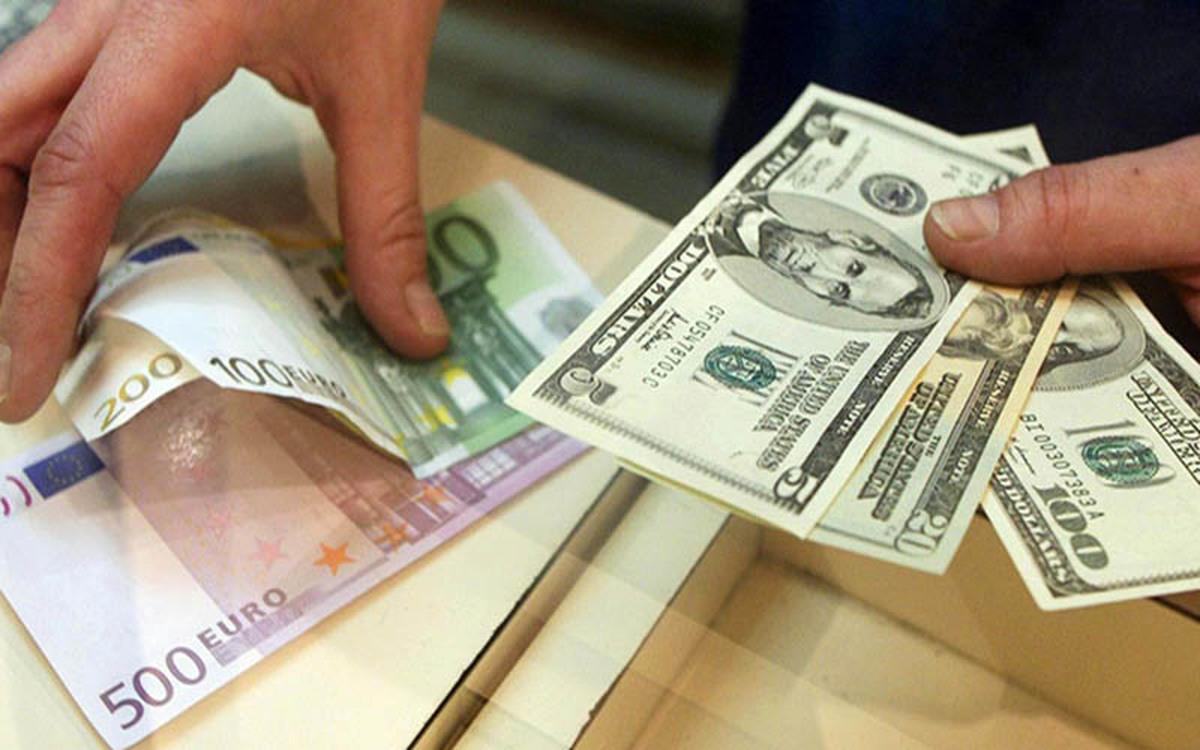 فعالان بخش صنعت، سیاست ارزی دولت را نادرست توصیف میکنند