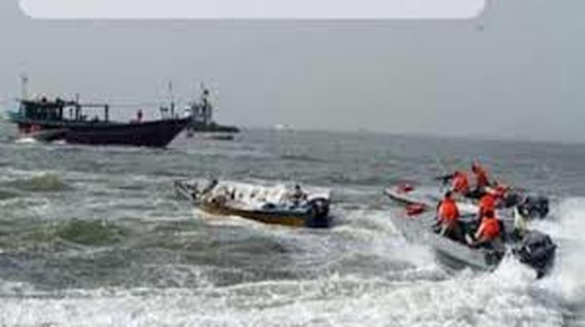 هفت قایق متخلف صیادی در چابهار ودشتیاری توقیف شدند