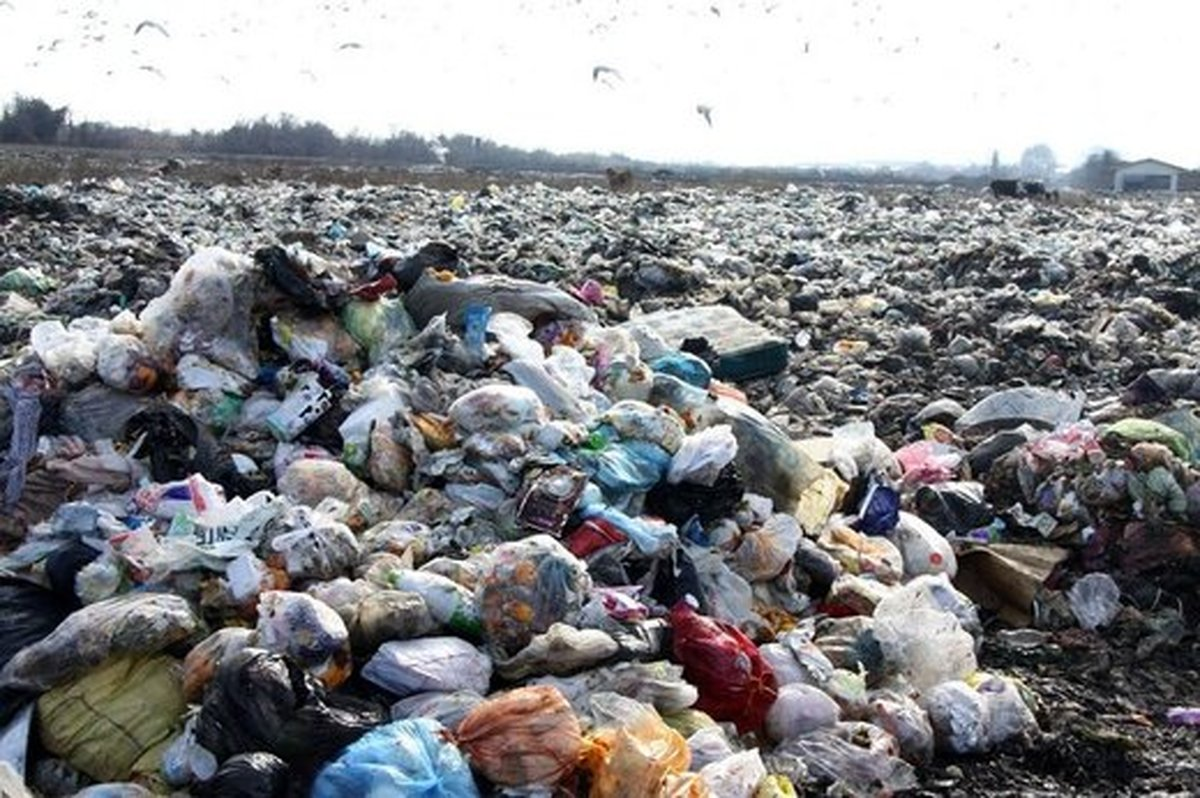 چرا سهم برخی زنان از این همه ثروت، کولبری و سطلهای زباله است؟!