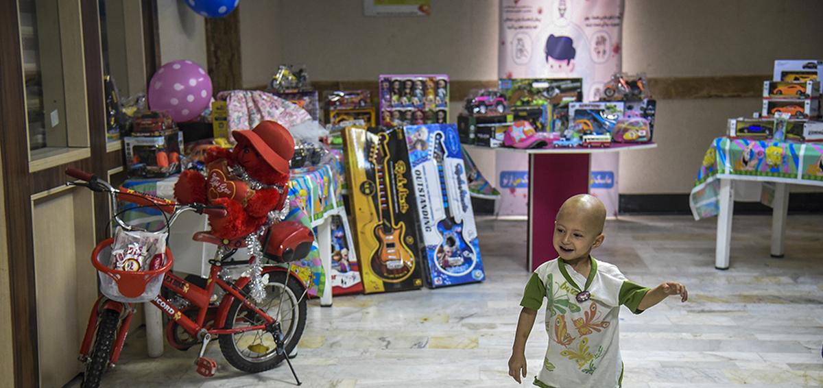 آرزوهای کودکان سرطانی در بیمارستان بقایی اهواز برآورده شد +عکس