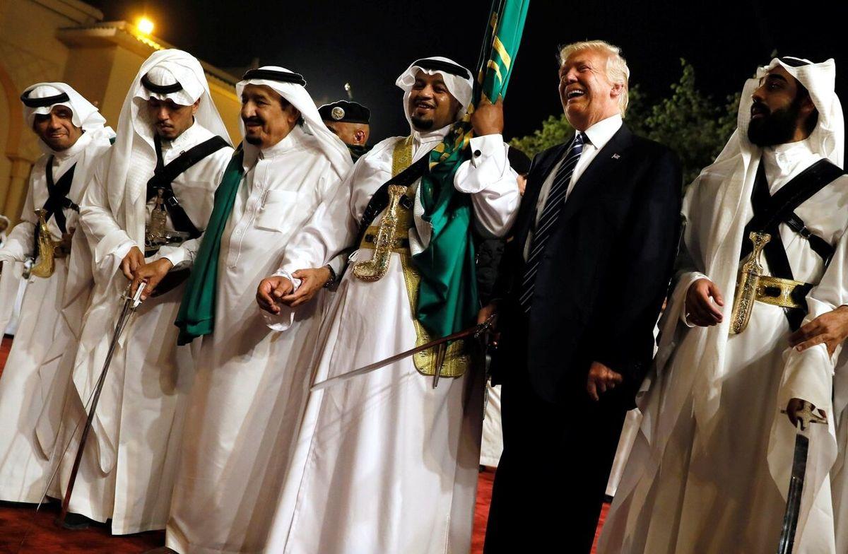 الشرق  |    گریه کشورهای عربی همچون یتیمها از شکست ترامپ