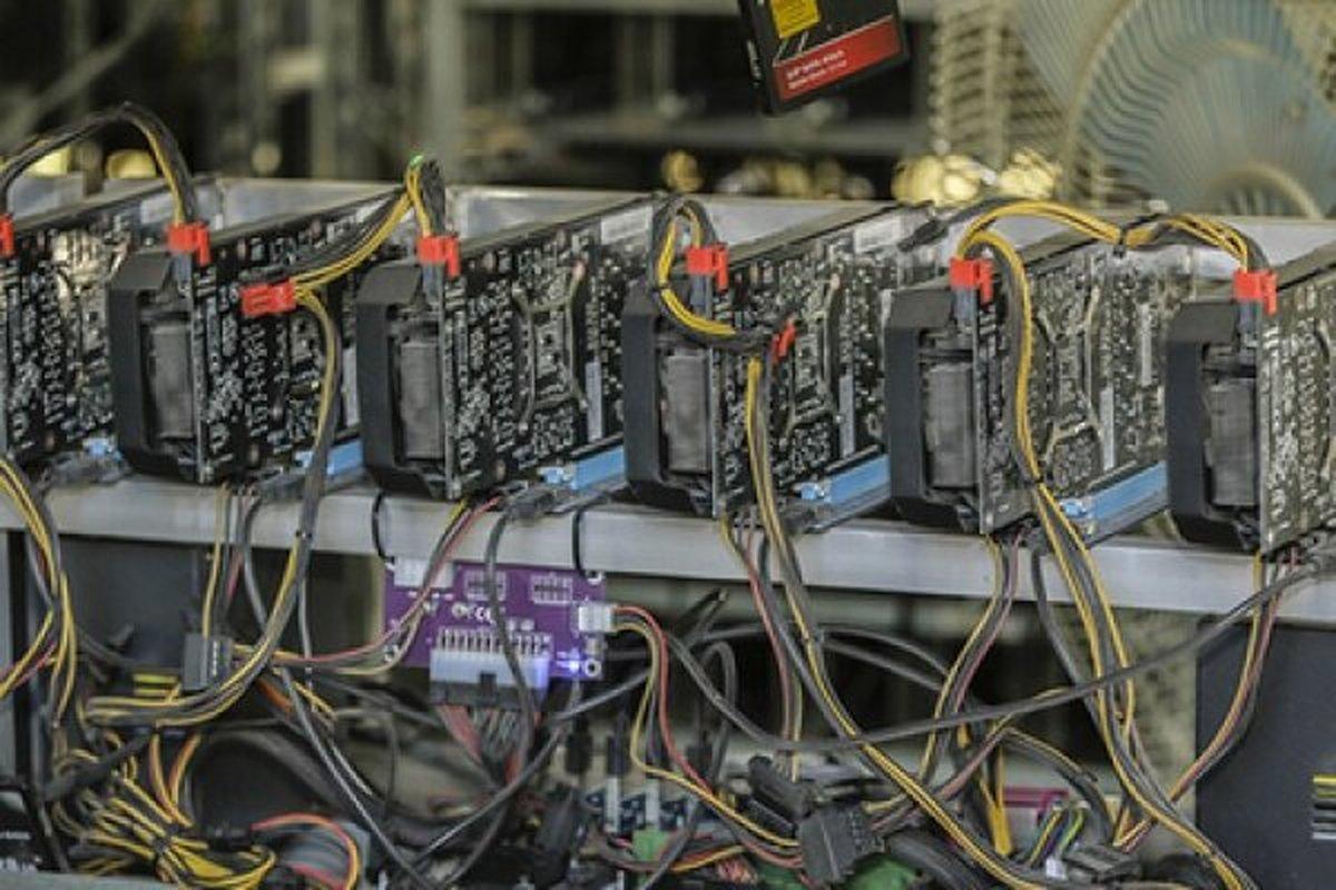 کشف ۳۰ دستگاه استخراج ارز دیجیتال در مرکز تهران