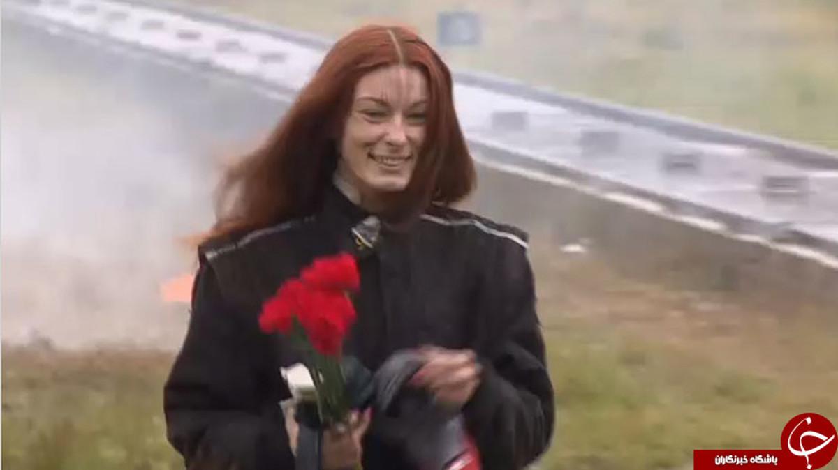 خونسردی عجیب زن روس هنگام عبور از میدان مین!