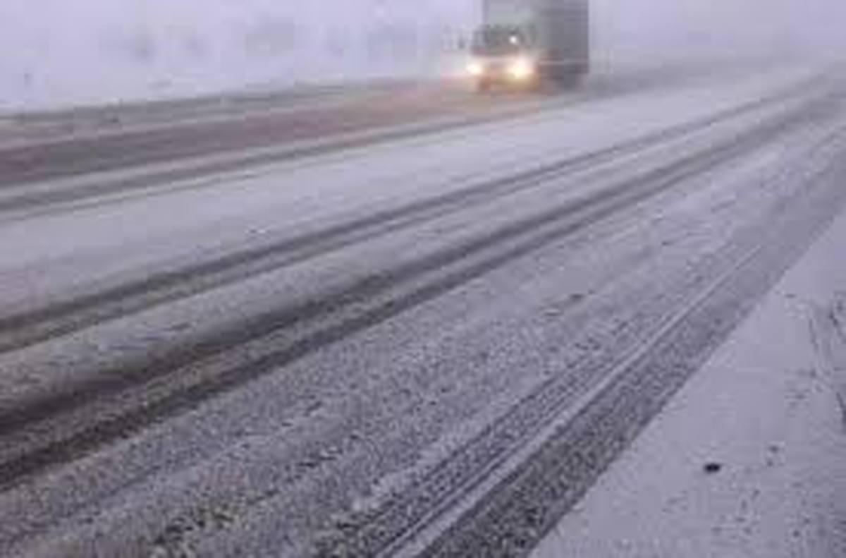 جاده سمنان به فیروزکوه مسدود شد