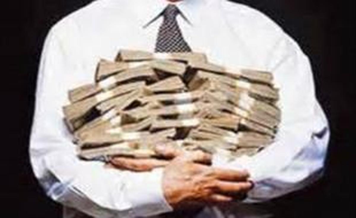 شکوائیه اقتصادی علیه سیاستمداران