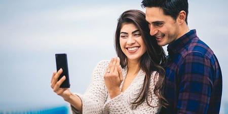 محققان می گویند زوج هایی که زیاد از خودشان پست می گذارند بیشتر مشکل دارند