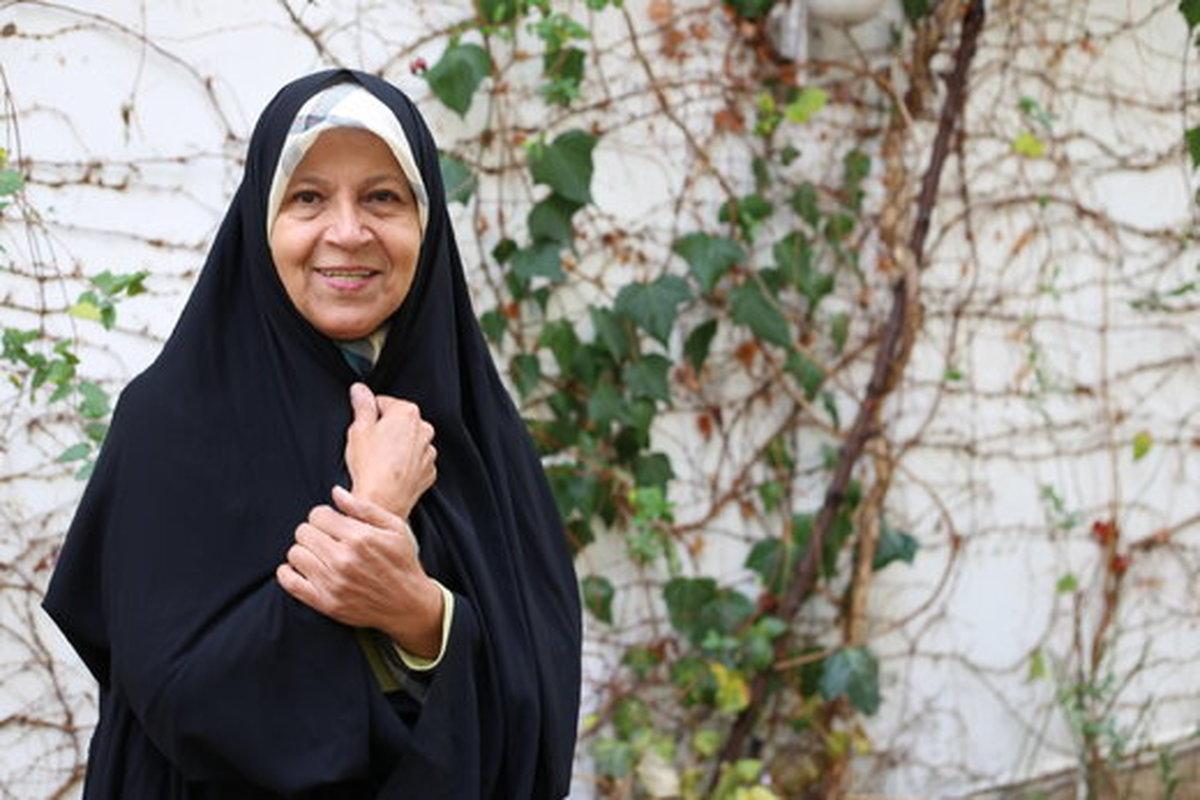فائزه هاشمی: شورای نگهبان باید لاریجانی را حفظ می کرد