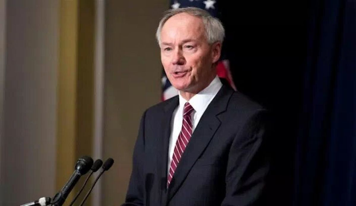 فرماندار آرکانزاس آمریکا: طرفدران ترامپ از تزریق واکسن کرونا پرهیز میکنند