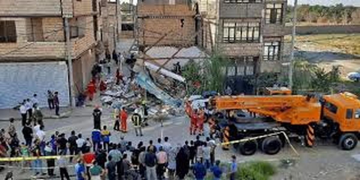 حادثه   |    ریزش سقف سوپر مارکت در مشهد ۲ کشته برجای گذاشت