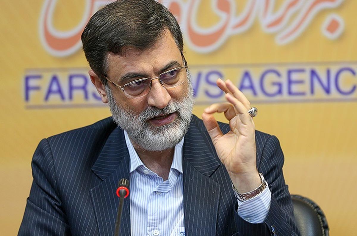 قاضیزاده هاشمی: رقیبم در انتخابات «رضاخان» است   آمدهام نهاد ۱۰۰ساله رضاخانی را به هم بریزم