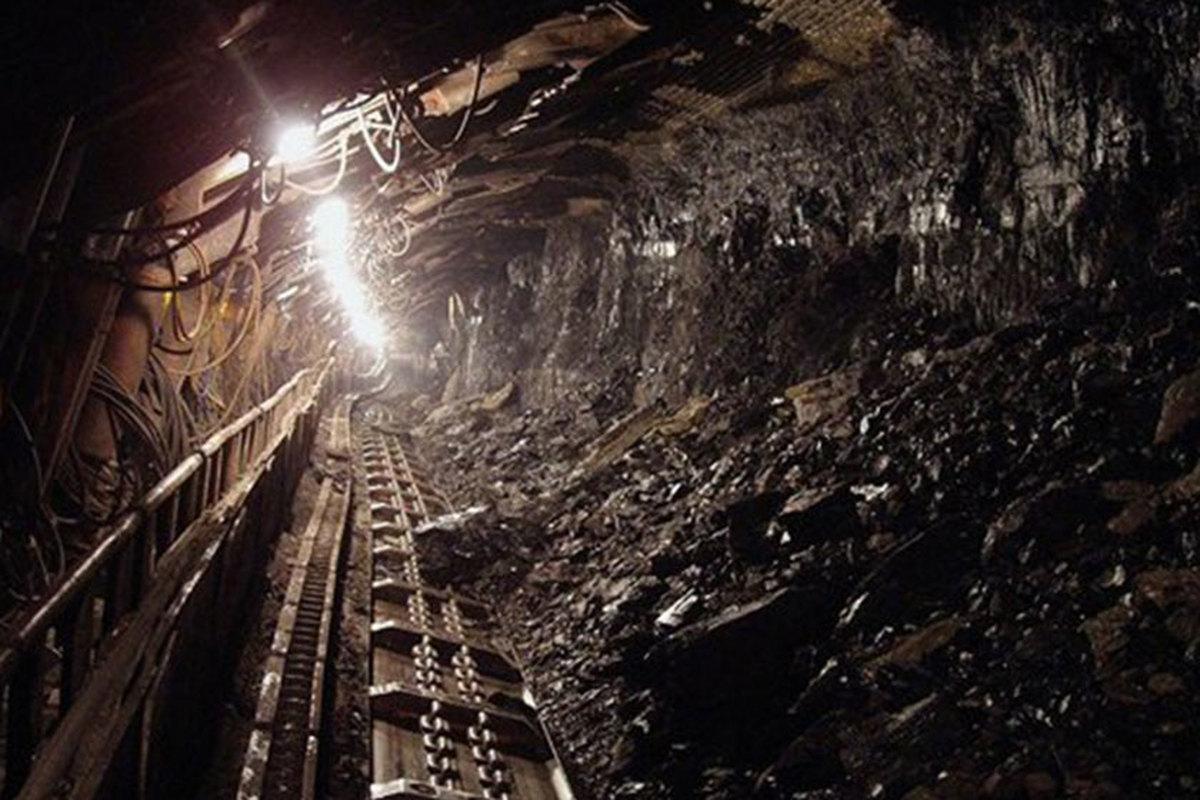 معدن زغالسنگ دامغان ریزش کرد | دو کارگر زیر آوار ماندهاند