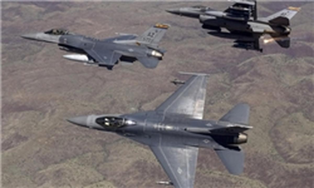 در حمله هوایی ائتلاف آمریکا به شمال سوریه ۲۵ غیرنظامی دیگر کشته شدند