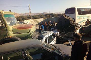 تصادف زنجیرهای هشت خودرو در شیراز هفت مصدوم داشت
