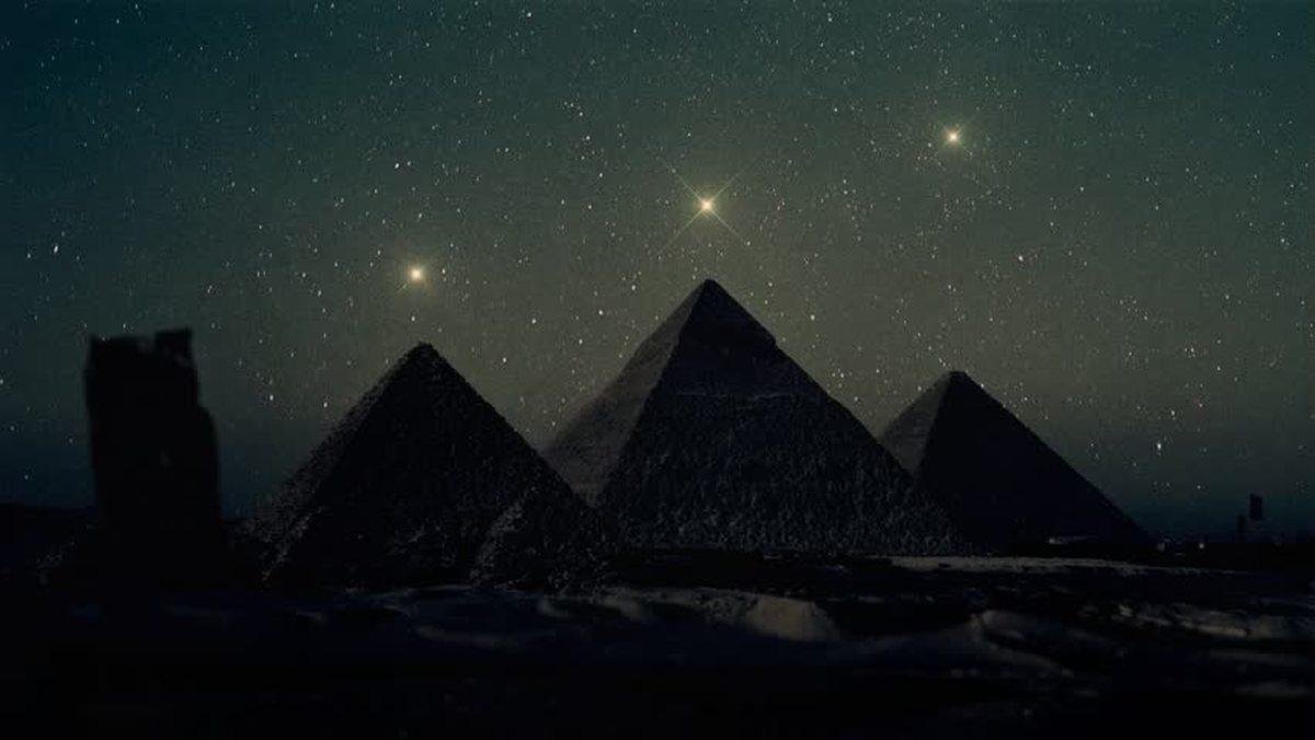 آیا اهرام ثلاثه مصر بر اساس ستارگان ساخته شده اند؟
