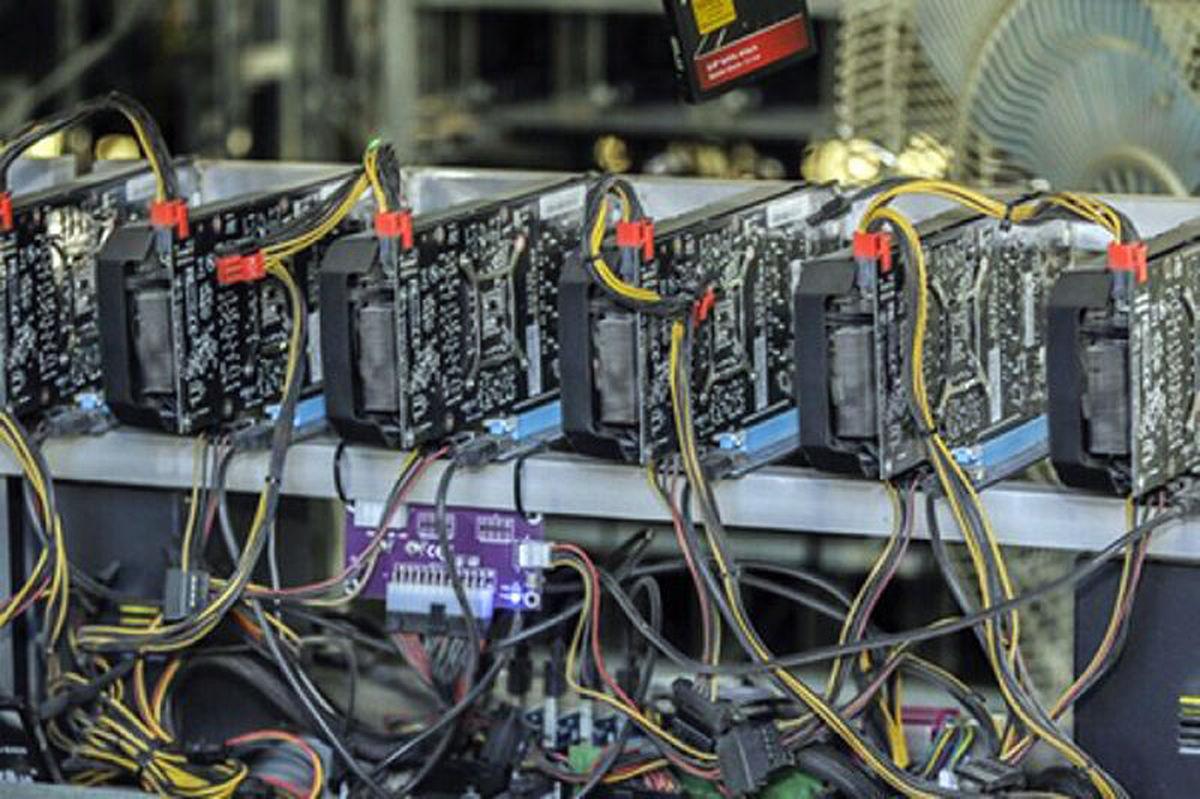 قاچاق  |  چهارهزار دستگاه ارز دیجیتال قاچاق در البرزکشف شد