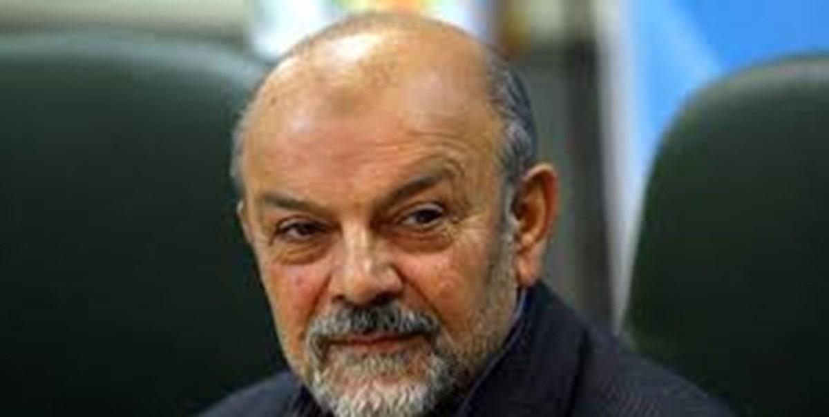 وزیر اسبق بهداشت به دلیل سقوط از ارتفاع در بیمارستان بستری شد