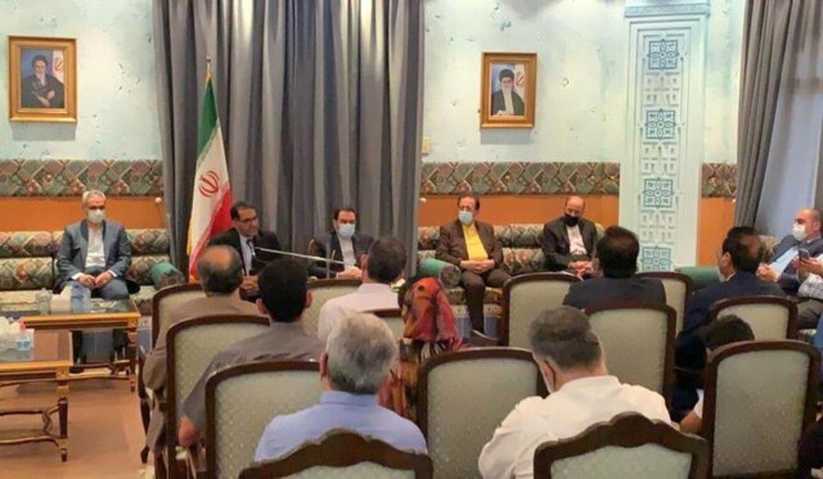 نشست معاون وزیرامورخارجه کشورمان با جمعی از ایرانیان مقیم عمان
