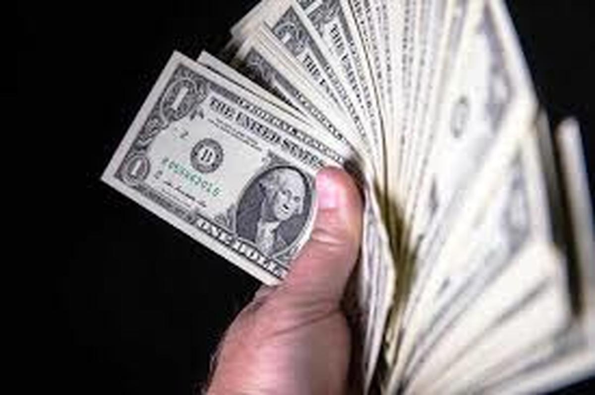 دلار   |    یک جاعل و توزیع کننده دلار جعلی در تهران دستگیر شد