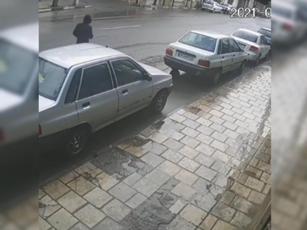 سرقت پراید از کنار خیابان اصلی + ویدئو
