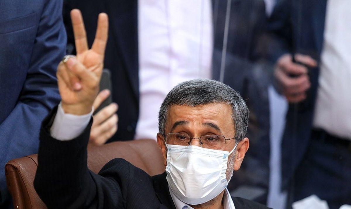 احمدینژاد۳۰ میلیون برای تزریق واکسن هزینه کرده است