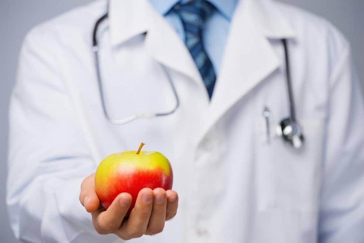 آیا خوردن روزانه یک عدد سیب سلامتی ما راتضمین میکند؟