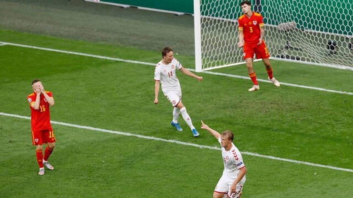 درخشش دانمارکیها ادامه دارد  صعود به یک چهارم نهایی یورو با دبل دولبرگ