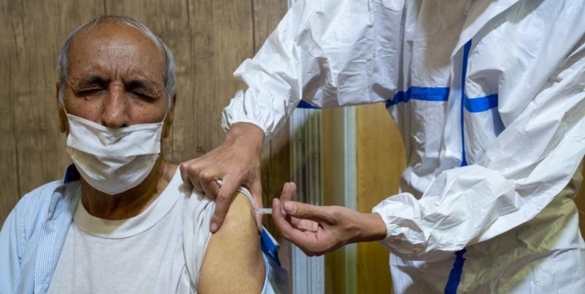 اتمام واکسیناسیون ۸۰ ساله ها در قم تا فردا